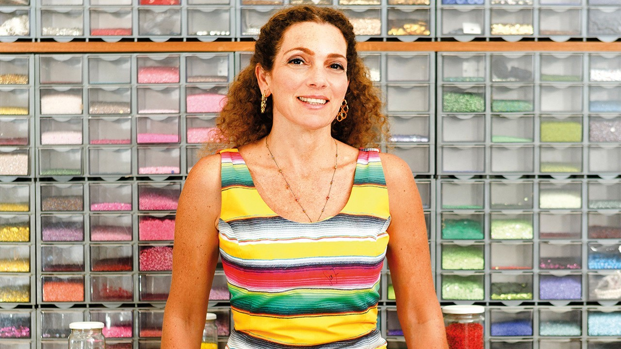 Fashion Talks-سارة بيضون: أشركنا السجينات في صناعة حقائب Sarah's Bag من أجل تمكين المرأة