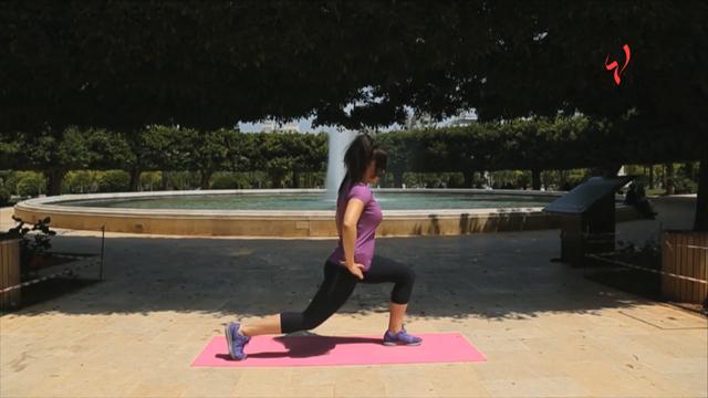 رشاقتك مع زينة-مارسي هذا التمرين 12 مرة في اليوم لتشغيل كامل القسم السفلي من الجسم