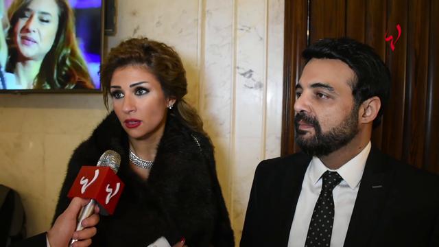 كاميرا لها: أول ظهور لعمرو محمود يس مع زوجته وماذا قالت عن التوتر في بيتهما
